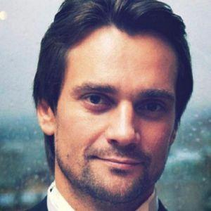 Подробнее: Дмитрий Миллер хочет взять «любовь напрокат»