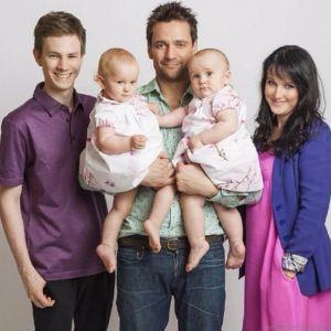 Подробнее: Дмитрий Миллер покрестился в благодарность за дочек