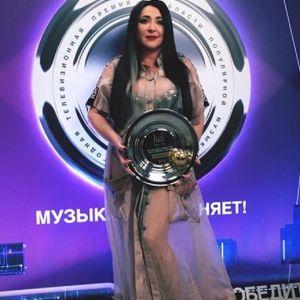 Подробнее: Лолиту Милявскую обвинили в том, что она выступает под фонограмму