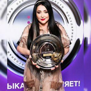 Подробнее: Лолита Милявская появилась на премии «Золотой хит» в «голом» наряде