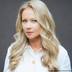 Подробнее: Мария Миронова пристроила молодого мужа в свой бизнес по производству детских сладостей