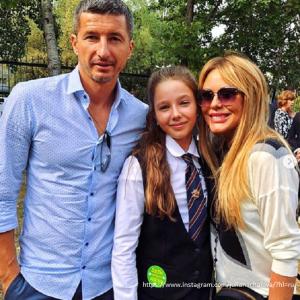 Подробнее: К дочери Юлии Началовой на праздничную линейку в школу пришли все ее родственники