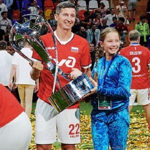 Подробнее: Евгений Алдонин показал фото дочери Юлии Началовой с новорожденной сестричкой на руках