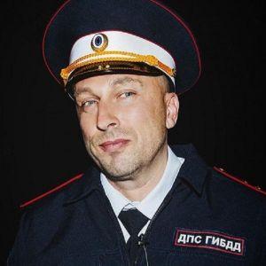 Подробнее: Дмитрий Нагиев доигрался до инспектора ДПС и запел