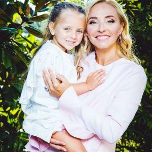 Подробнее: Дочь Татьяны Навки, Надя Пескова отметила четырехлетие на ледовой арене