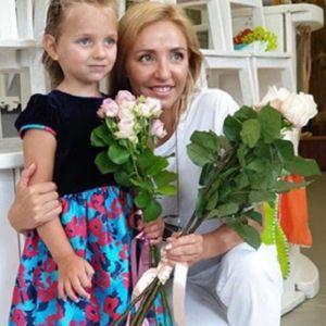 Подробнее: Татьяна Навка показала кадры с юбилейного дня рождения Нади Песковой