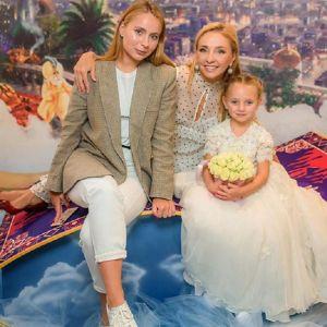 Подробнее: Пятилетняя дочь Татьяны Навки дебютирует в ее новом шоу