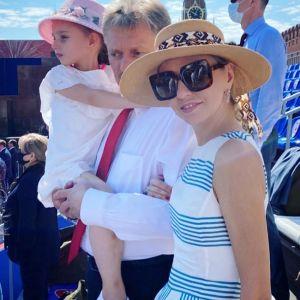 Подробнее: Татьяна Навка опубликовала редкий кадр с мужем и высказалась о семейном счастье