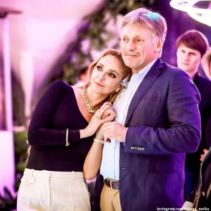 Подробнее: Татьяна Навка с Дмитрием Песковым отметили пятую годовщину свадьбы