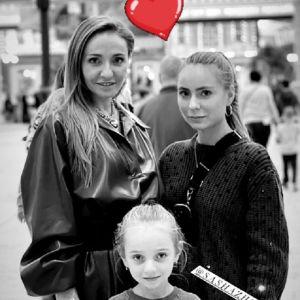Подробнее: Татьяна Навка с дочерьми покаталась на аттракционах