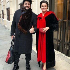 Подробнее: Анна Нетребко с мужем не стесняются есть прямо на улице