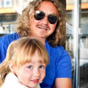 Подробнее: Игорь Николаев приучает трехлетнюю дочь к спорту миллионеров