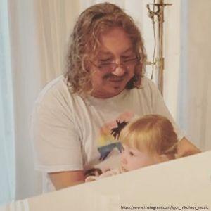 Подробнее: Трехлетняя дочь Игоря Николаева помогает ему писать песни (видео)