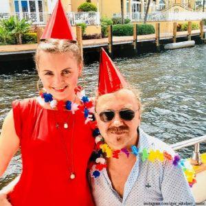 Подробнее: Игорь Николаев с женой публично поздравили друг друга с годовщиной бракосочетания