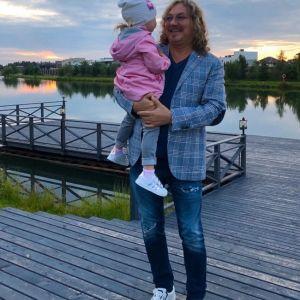 Подробнее: Игорь Николаев с женой поделились кадрами с дочерью Вероникой в ее 4-й день рождения