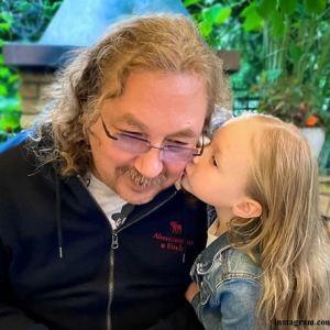 Подробнее: 4-летняя дочка Игоря Николаева передала привет из Юрмалы