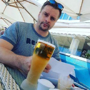Подробнее: Александр Носик признался, что у него гостевой брак с новой девушкой