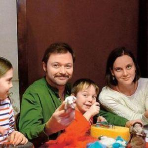 Подробнее: Илья Носков рассказывает о рождественских традициях и не ждет особых чудес