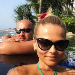 Подробнее: Ксения Новикова отдыхает с мужем в раю
