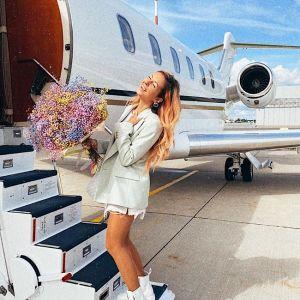 Подробнее: Муж певицы Нюши устроил ей на 30-летие сюрприз и увез частным самолетом в Белек