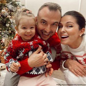 Подробнее: Нюша поделилась милым совместным фото с дочерью