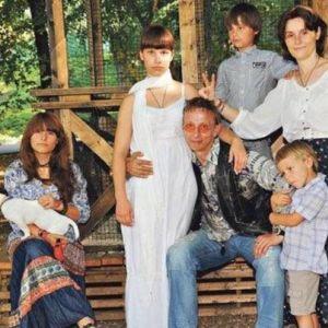 Подробнее: У  дочек Ивана Охлобыстина появилась личная жизнь