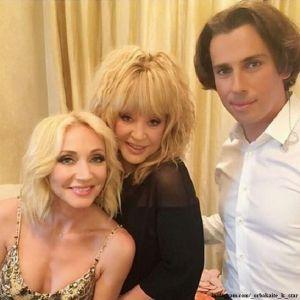Подробнее: Кристина Орбакайте опубликовала «закулисный» снимок семьи Аллы Пугачевой