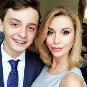 Подробнее: Ольга Орлова похвасталась золотой медалью сына