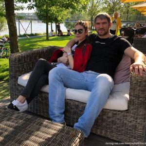 Подробнее: Анастасия Шубская поделилась отпускными кадрами с Александром Овечкиным и десятимесячным сыном