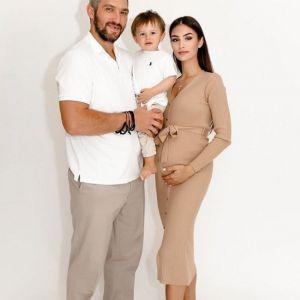 Подробнее: Беременная жена Александра Овечкина продемонстрировала изменившуюся фигуру в облегающем платье