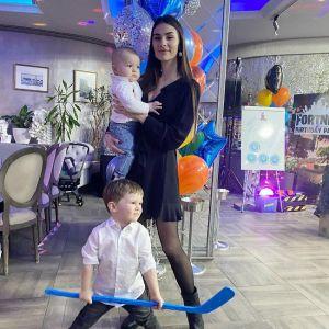 Подробнее: Анастасия Шубская поделилась забавными кадрами фотосессии с годовалым сыном
