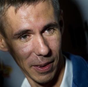 Подробнее: Алексей Панин остался без машины и дочери