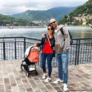 Подробнее: Евгений Папунаишвили с женой впервые взяли с собой пятимесячную дочь в Италию
