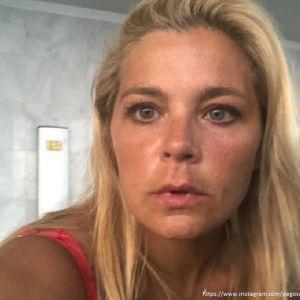 Подробнее: Ирина Пегова показала фото в полосатом купальнике