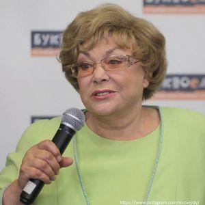 Подробнее: Эдита Пьеха пожаловалась на нехватку денег