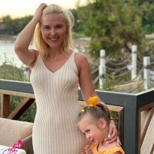 Подробнее: Пелагея поделилась красивыми кадрами с 3-летней Таисией с отдыха в Турции