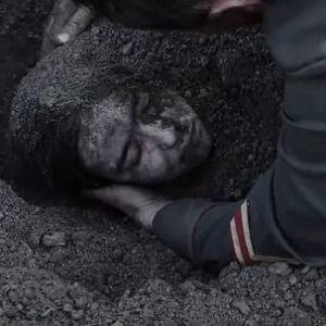 Подробнее: Юлию Пересильд три раза закапывали в землю.
