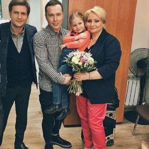 Подробнее: Светлана Пермякова хочет повенчаться с отцом своей дочери