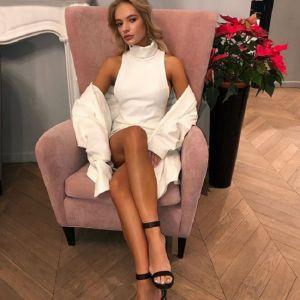 Подробнее: Елизавета Пескова делает вид, что она бедная студентка