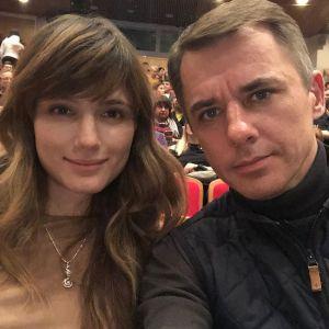 Подробнее: Игорь Петренко впервые вместе с тремя дочерьми появился на открытии фотостудии своей жены