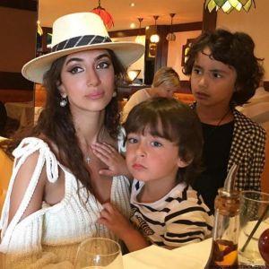 Подробнее: Певица Зара пригласила на свой концерт князя Монако