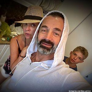 Подробнее: Дмитрий Певцов показал жену крупным планом без макияжа со всеми недостатками