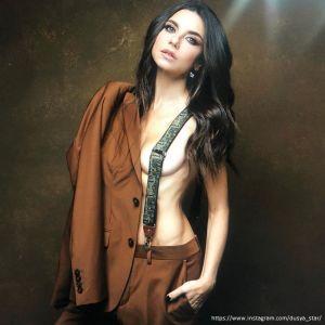Подробнее: Анна Плетнева призналась, что уже больше не представляет себя одетой
