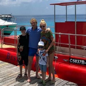 Подробнее: Евгений Плющенко тренирует сына на пластиковом катке на Мальдивах