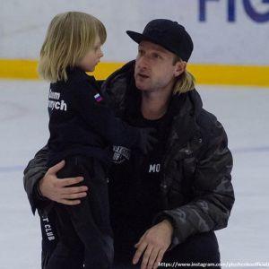 Подробнее: Сын Евгения Плющенко выиграл соревнования и впервые получил золотую медаль