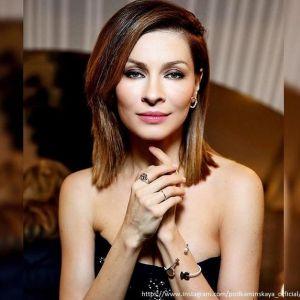 Подробнее: Елена Подкаминская зажигательно станцевала в облегающем наряде (видео)