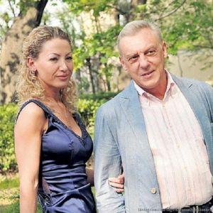 Подробнее: Александр Половцев едва не развелся с женой