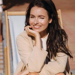 Подробнее: Ирена Понарошку шокировала фото без макияжа и косметики