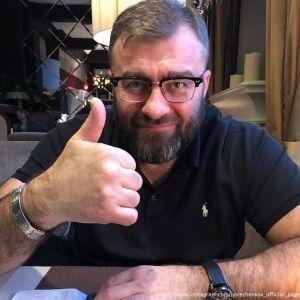 Подробнее: Жена Михаила Пореченкова посылала ему пошлые подарки