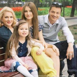 Подробнее: Бывший супруг Марии Порошиной доказал в суде, что не он отец ее сына